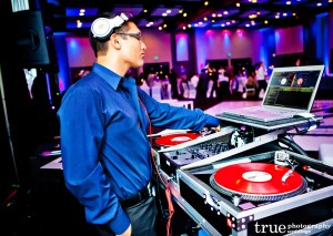Choosing Best Wedding DJs