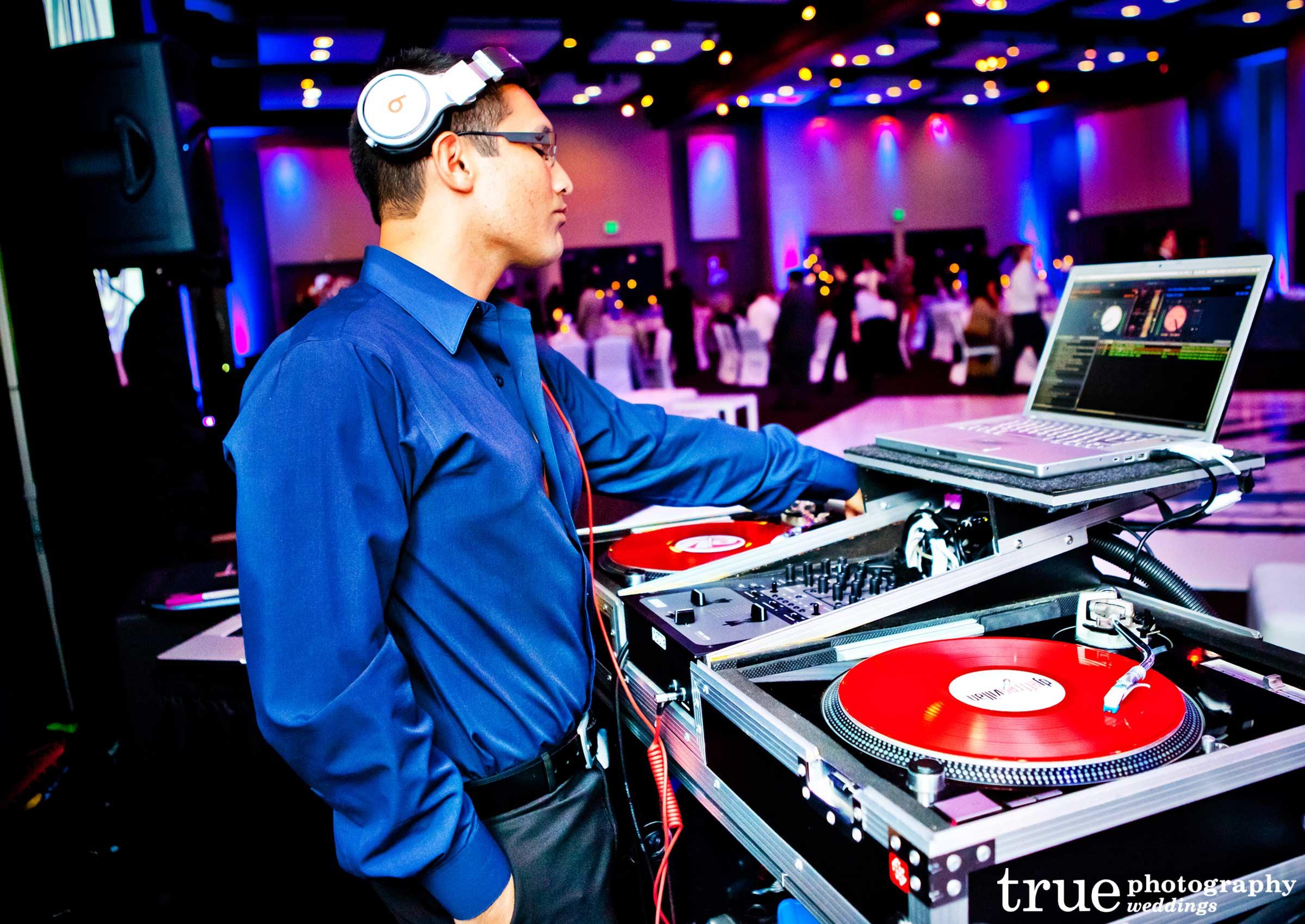 Choosing best wedding djs keels weddings junglespirit Choice Image